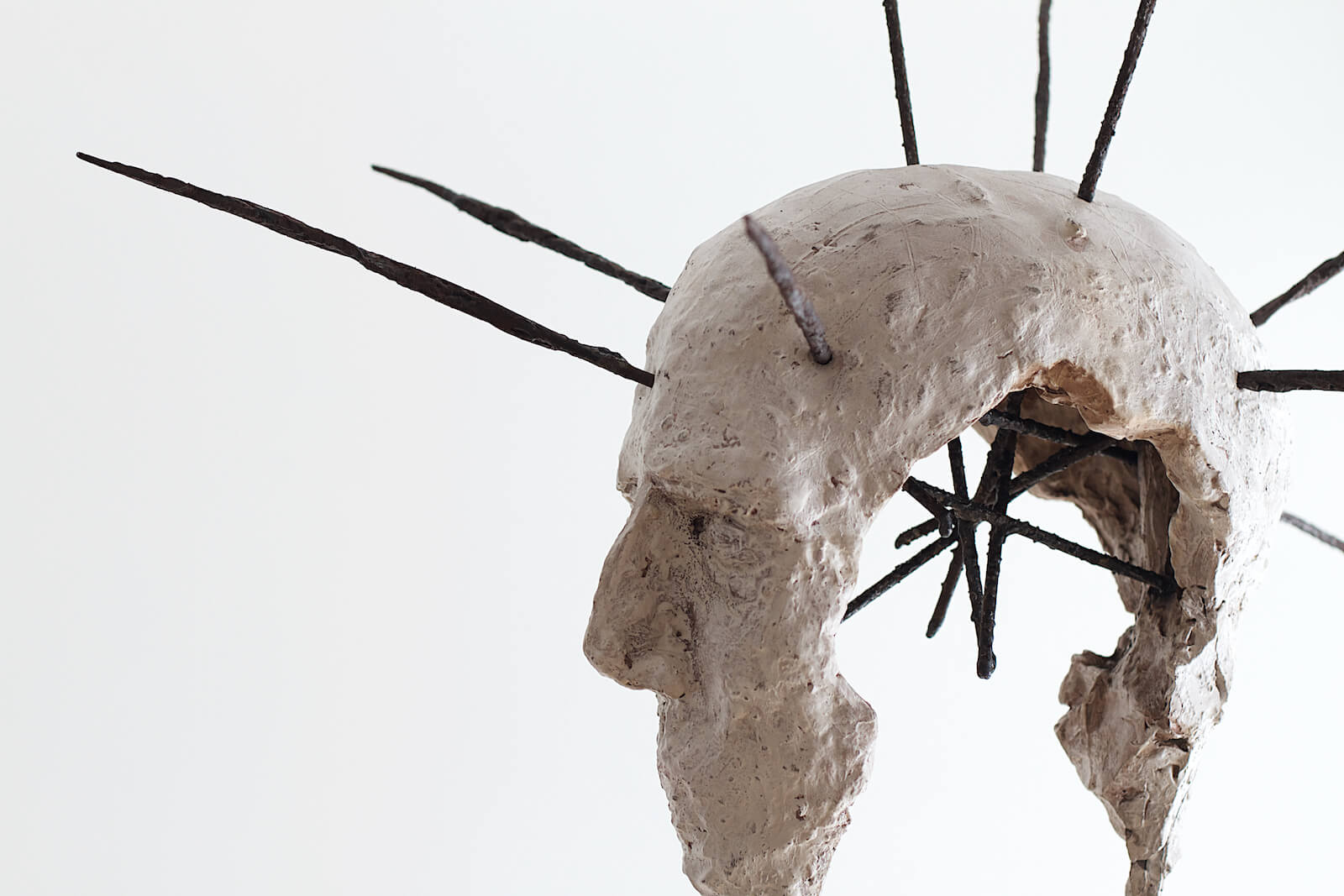 Lasse Nissilä sculpture: Winterreise (Winter's Journey), 2015, concrete and metal. 230x50x80 cm.